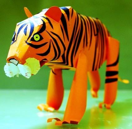 тигр из бумаги