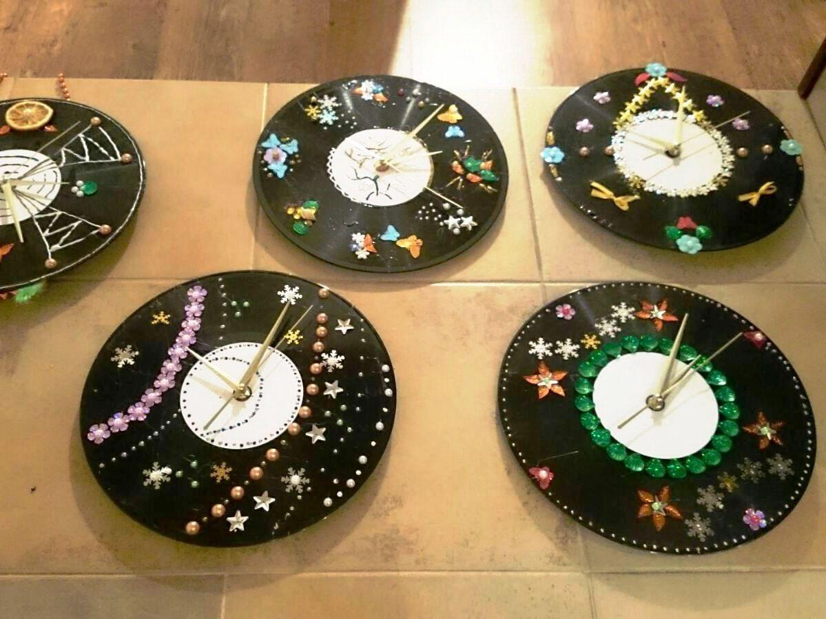 Часы из виниловых грампластинок
