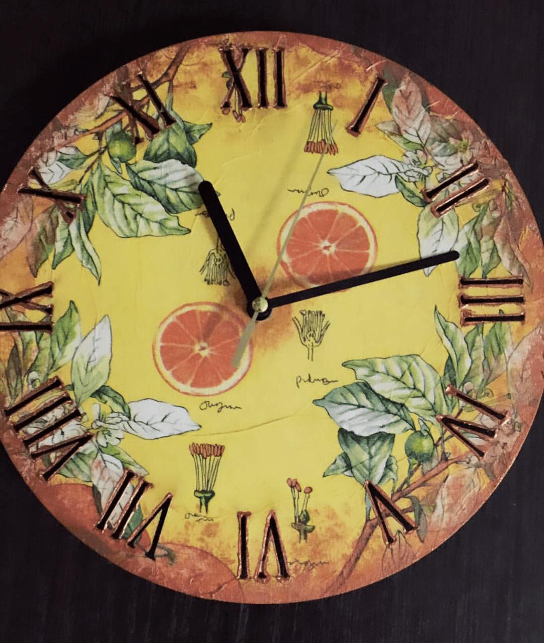 Декупаж деревянных часов