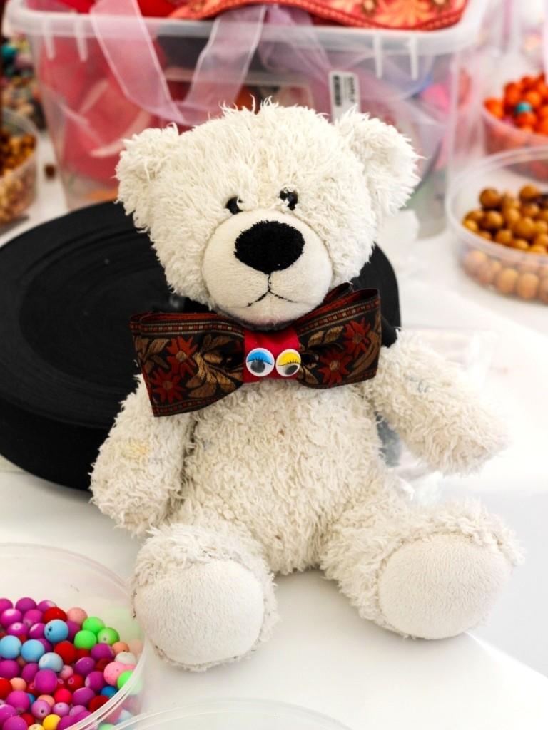 медведь в галстуке
