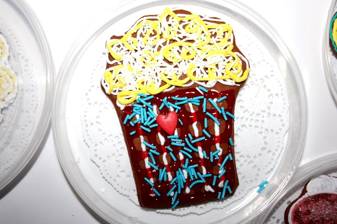 роспись имбирного печенья
