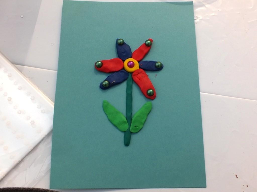 Цветок из пластилина