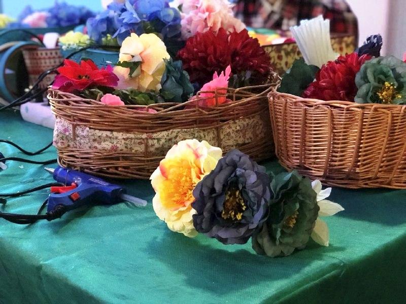 Украшение ободков цветами