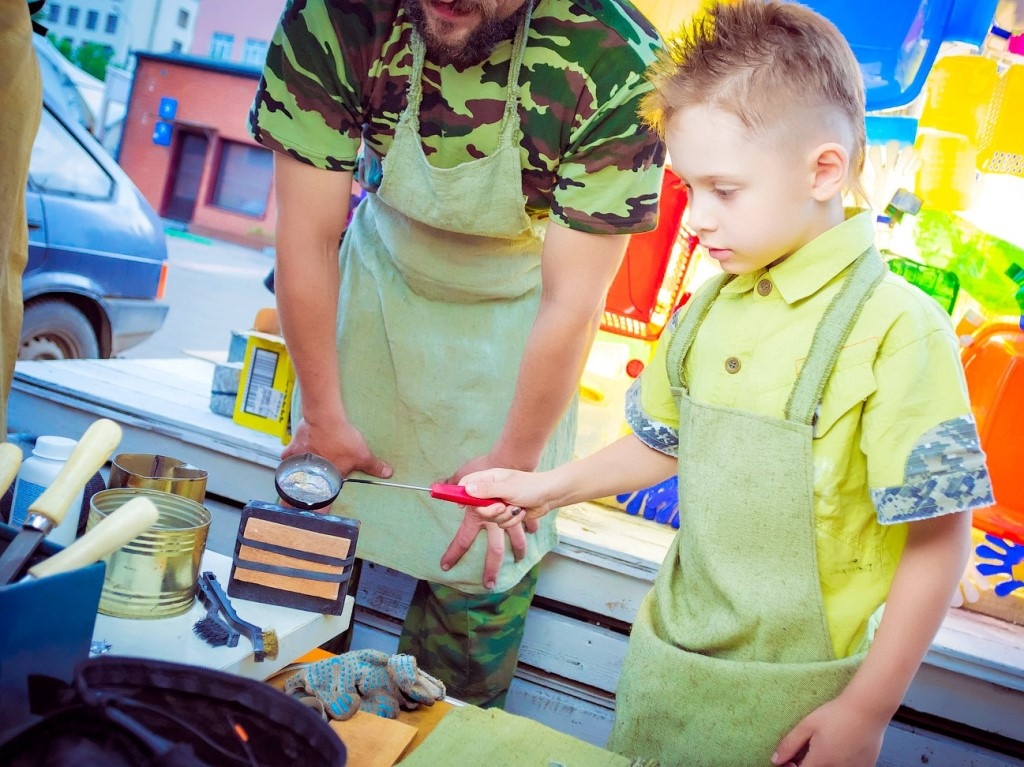 Изготовление оловянных солдатиков