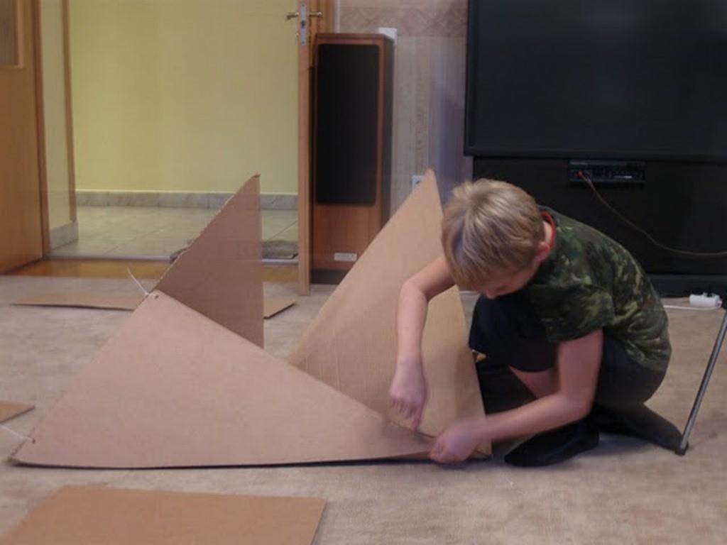 Постройка из картона