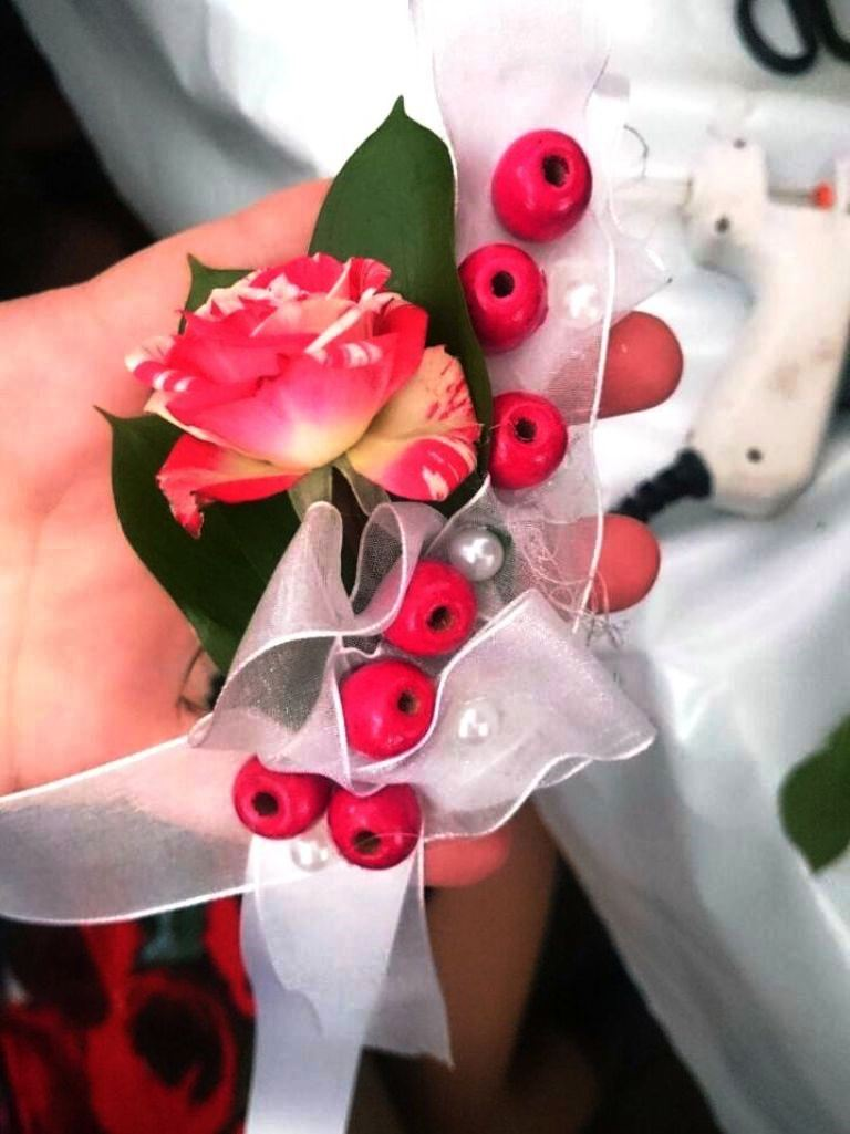 Живые цветы украшения