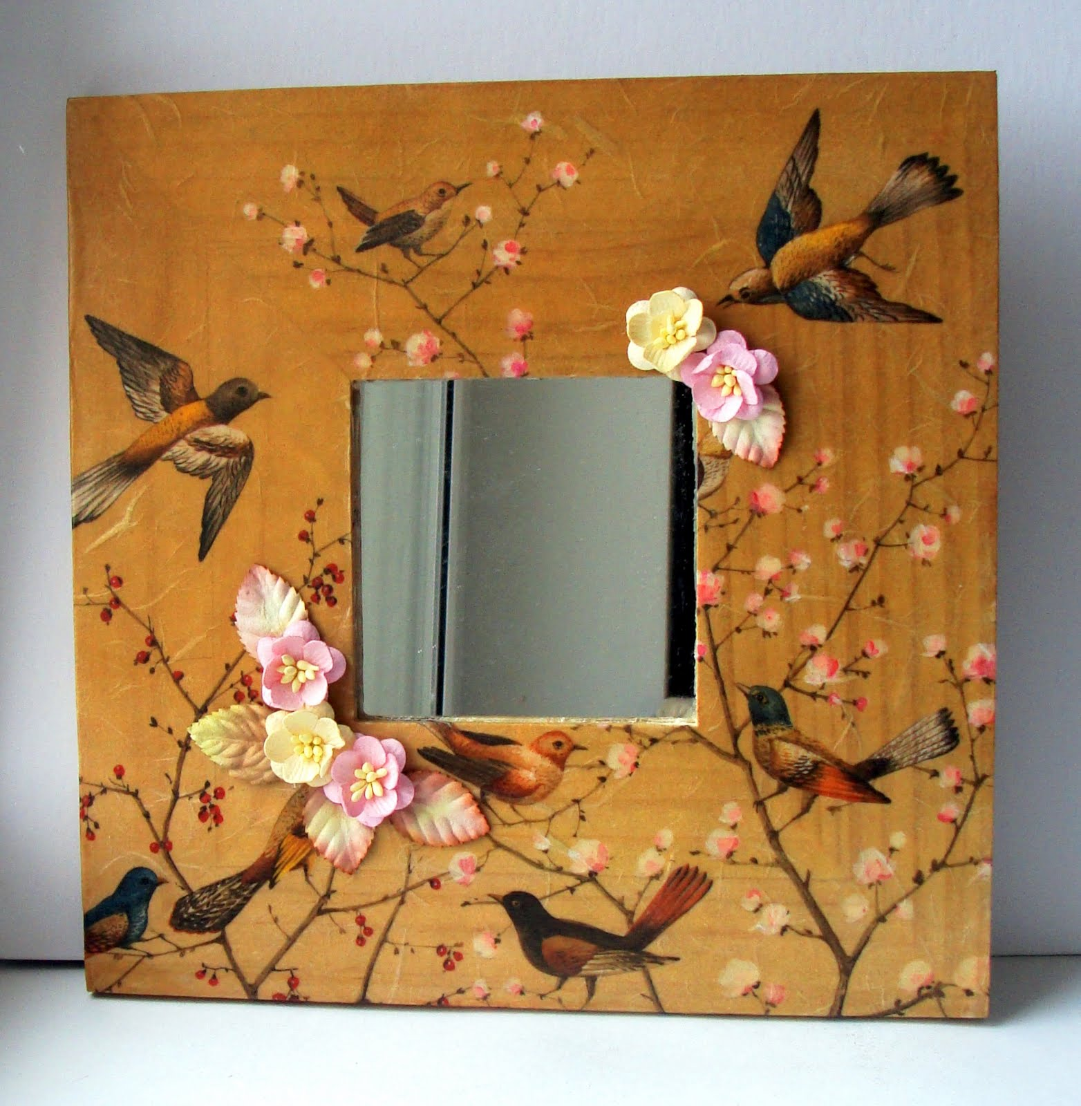 Декорирование зеркала из Икеа