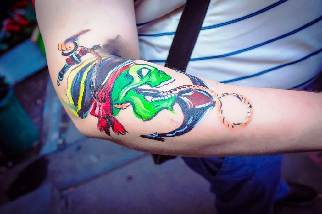 Боди-арт на руке