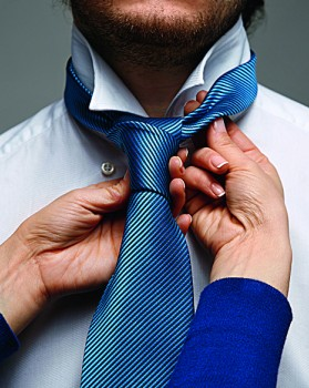 Завязывание галстуков
