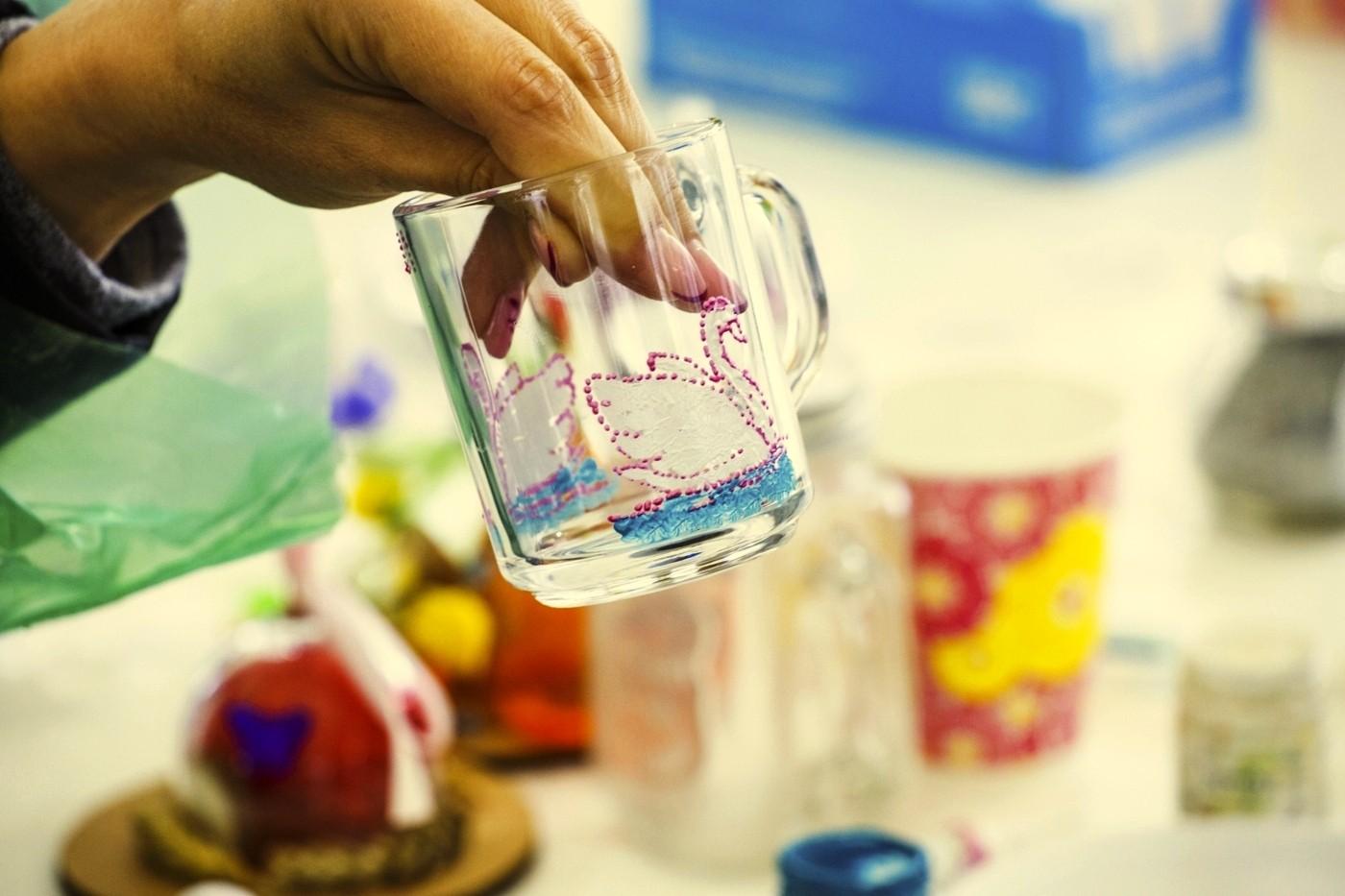 Роспись чашек и кружек акриловыми красками