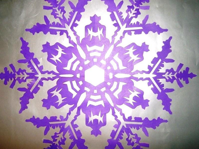 Мастер-класс по созданию снежинок из бумаги