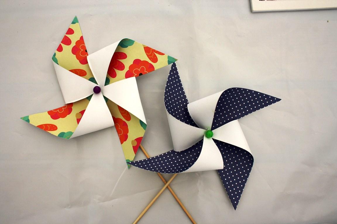 Вертушка из дизайнерской бумаги